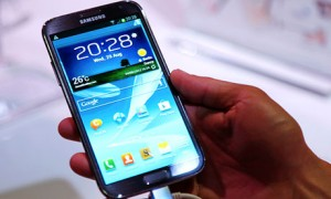 Samsung Galaxy Note II unveiled but no carrier announcement